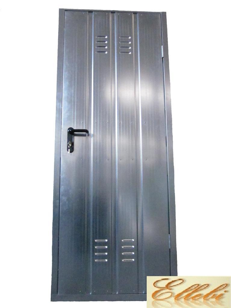 Porta per cantina garage zincata con maniglia e serratura for Porte 60 x 70