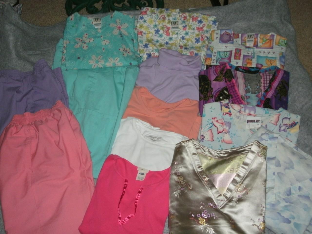 Nursing Uniforms Scrubs 14 PC Mix Match Size Med