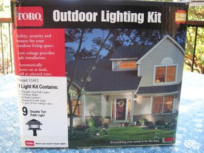 toro 9 light outdoor lighting kit model 52452 40 watt. Black Bedroom Furniture Sets. Home Design Ideas