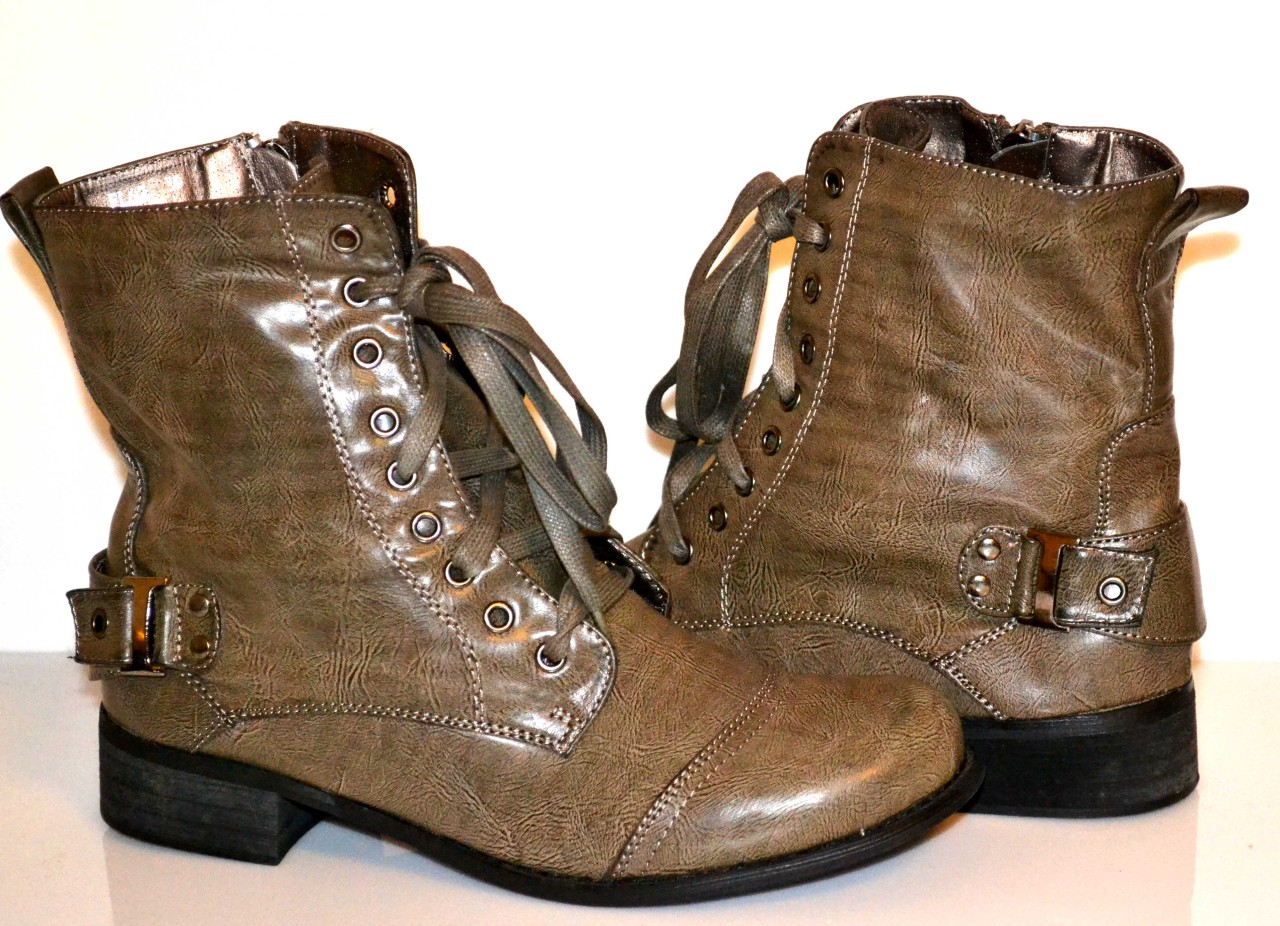 Womens-Lace-Up-Military-Combat-Boots-in-Five-Colors-BEST-PRICES-NIB-FAST-SHIP