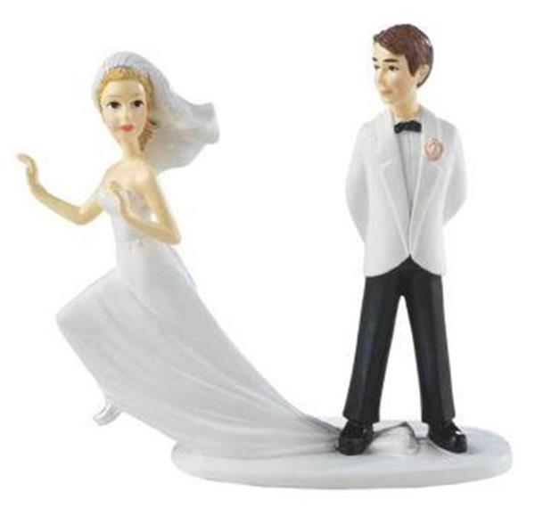 Wilton Runaway Bride And Groom Wedding Cake Topper Cake