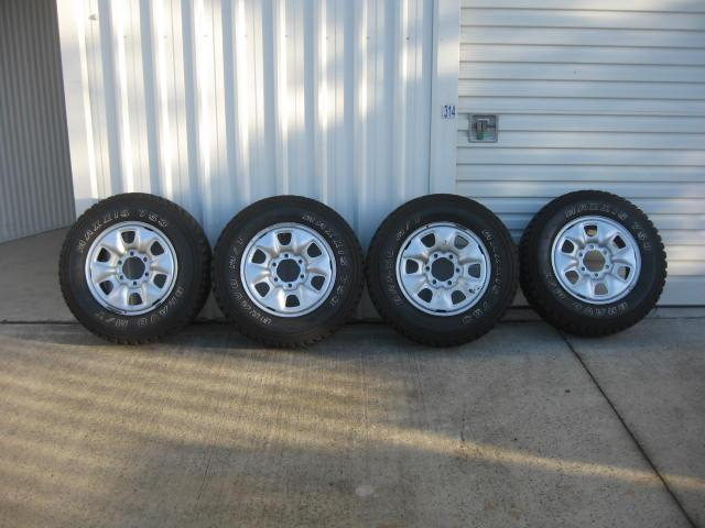 Set-of-4-Hilux-Prado-4WD-6-Stud-Wheels-16-w-Maxxis-Tyres