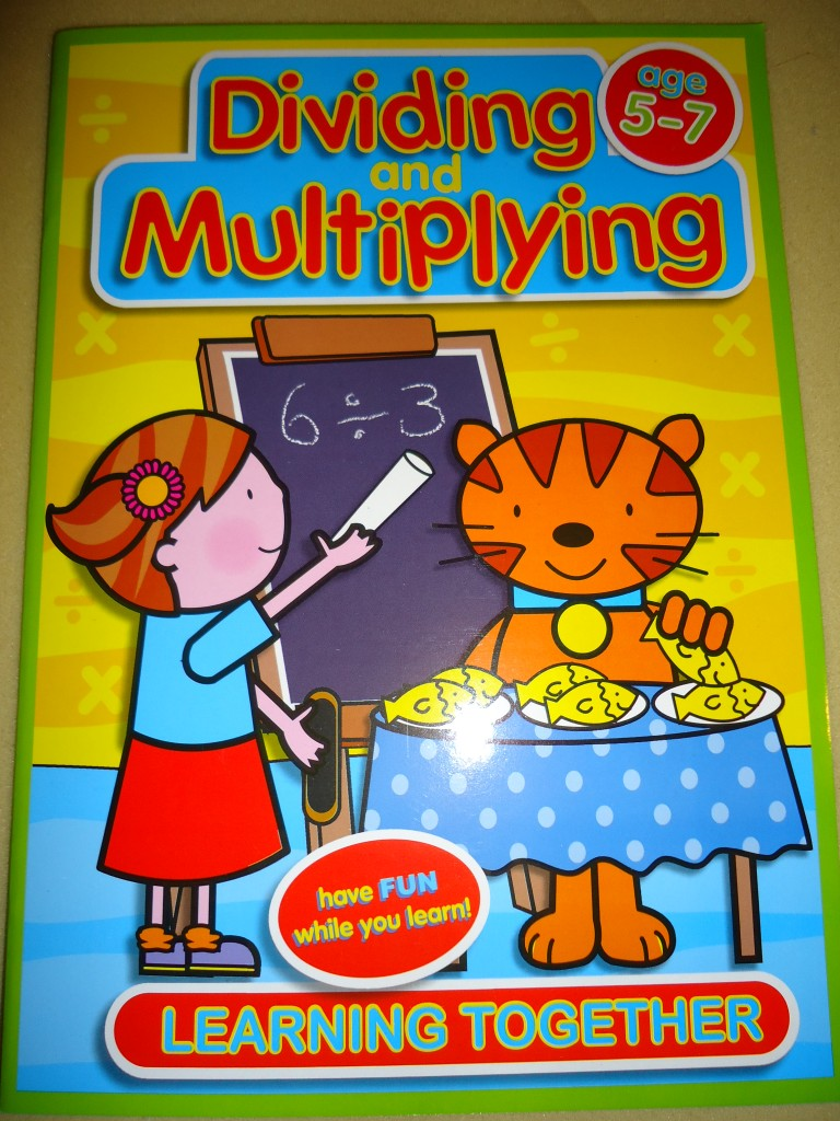 EDUCATIONAL-ACTIVITY-BOOKS-AGES-5-7-4-DIFF-SUBJECTS-MATHS-ENGLISH-NEW
