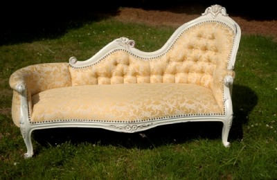 antique white shabby chic sofa chaise longue lounge ebay. Black Bedroom Furniture Sets. Home Design Ideas