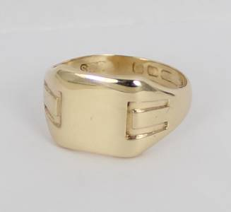 solid 9 carat yellow gold mens or signet ring ebay