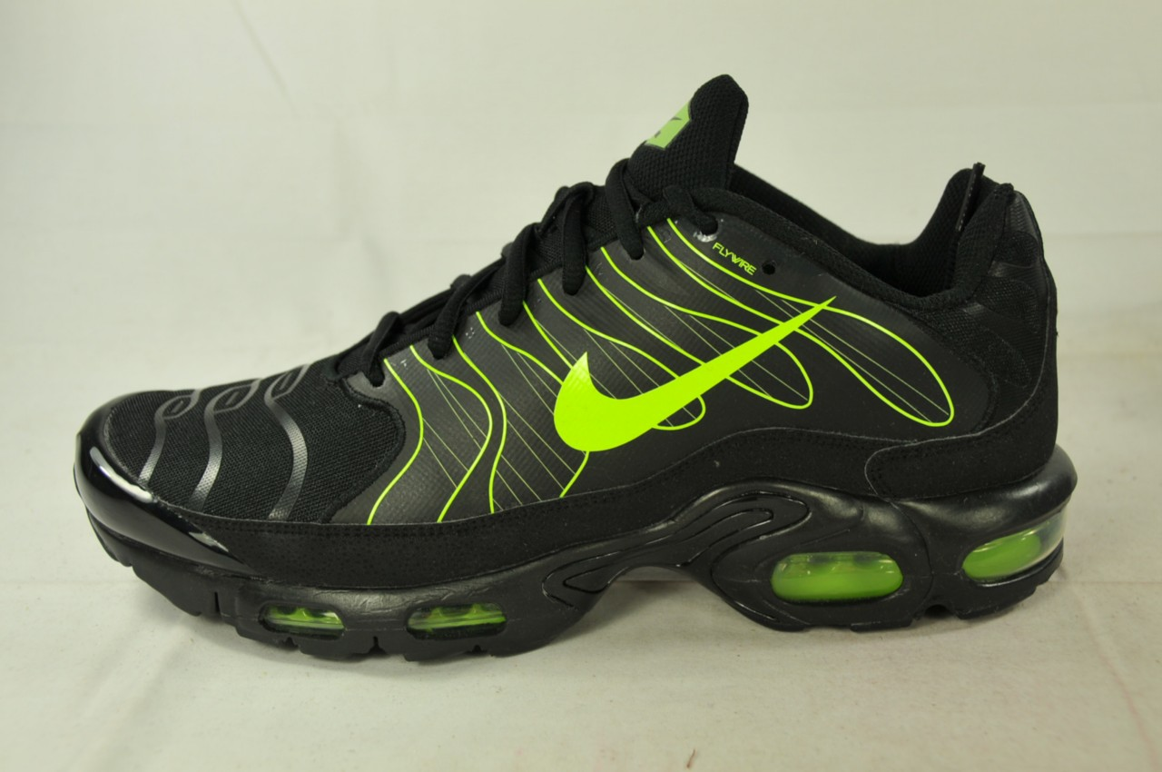 nike air max plus 1 5 tn 426882 030 black volt tuned air. Black Bedroom Furniture Sets. Home Design Ideas
