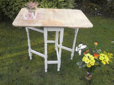 Shabby chic gate leg fold down table small dining room table annie sloan paint ebay - Fold down dining room table ...