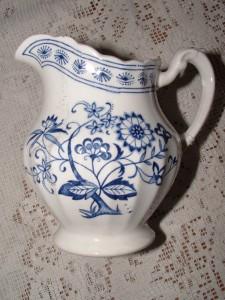 Meakin England Blue Nordic Classic White 12 pc Sugar Creamer