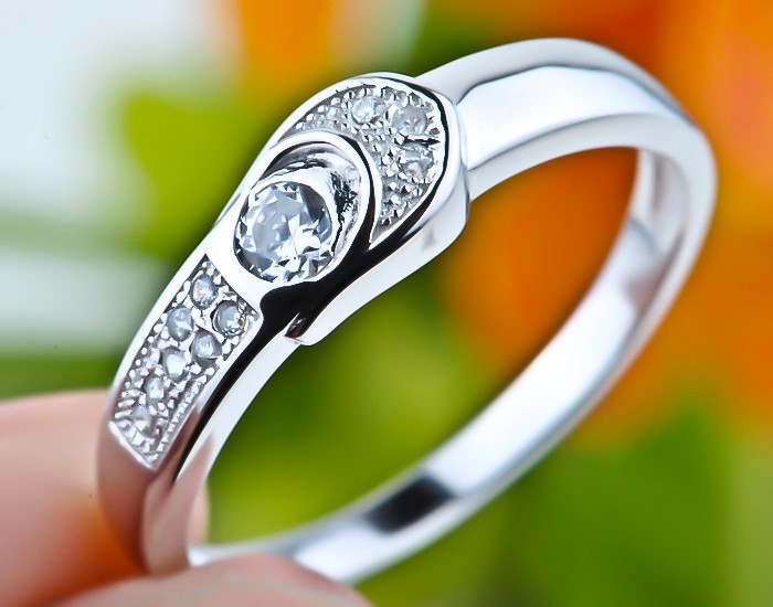 925 Solid Sterling Silver Comfort Fit Ring Genuine Buckle Design Cubic Zirconia