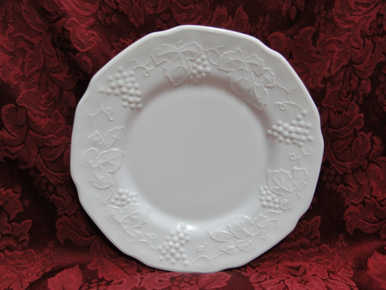 Colony-Harvest-White-Milk-Glass-Grapes-Leaves-Dinnerware-for-Special-Occasions