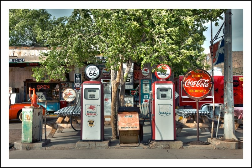 Poster affiche photo old gas pumps hackberry general store for Poster contemporain