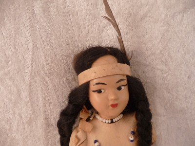 Beautiful Native American Girl Doll Indian Leather Clothing with Beads