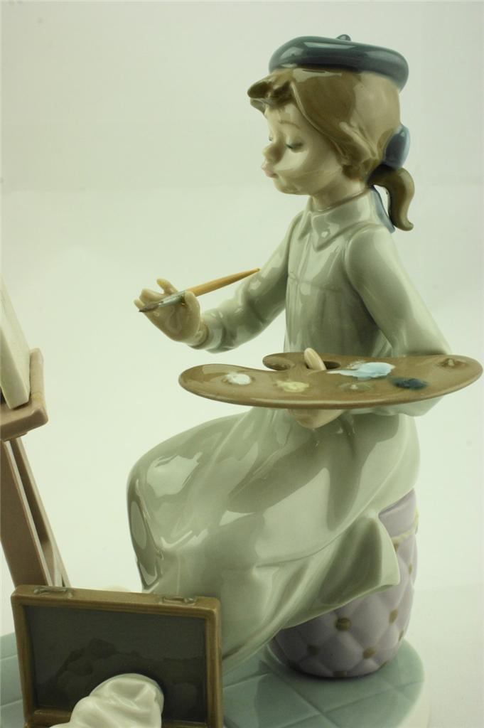 Lladro-5363-Still-Life-Figurine-with-Girl-Painting-in-perfect-condition