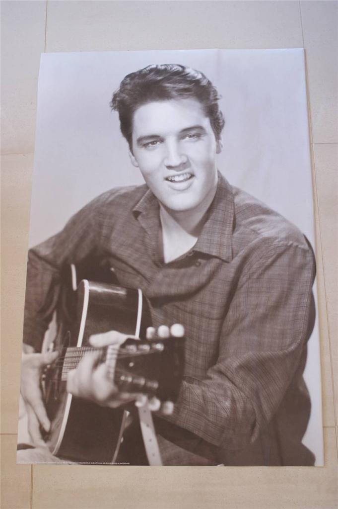 Large-Black-White-Elvis-Presley-The-King-Poster-Printed-in-Switzerland