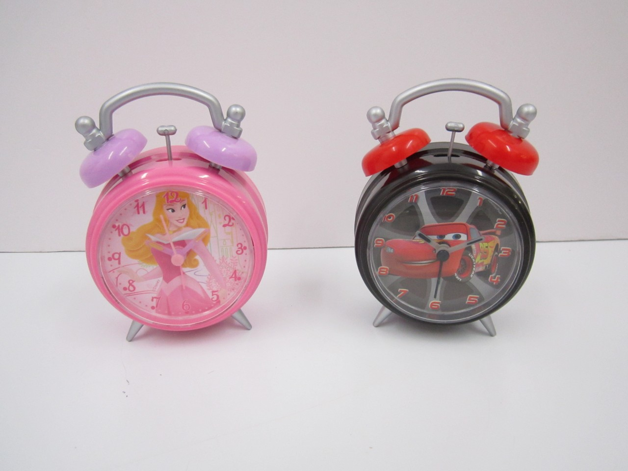 Childrens-TV-Disney-Character-ALARM-CLOCK-2-Designs-Princess-Cars-BRAND-NEW