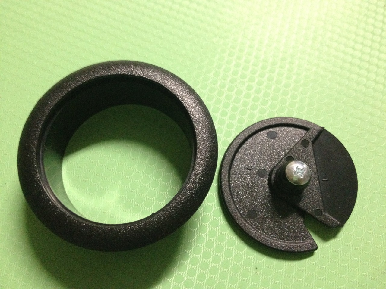 80mm 3 5 32 deluxe plastic computer desk cable grommet hole cover black ebay. Black Bedroom Furniture Sets. Home Design Ideas