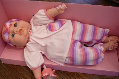 how to get a sleepy baby to feed