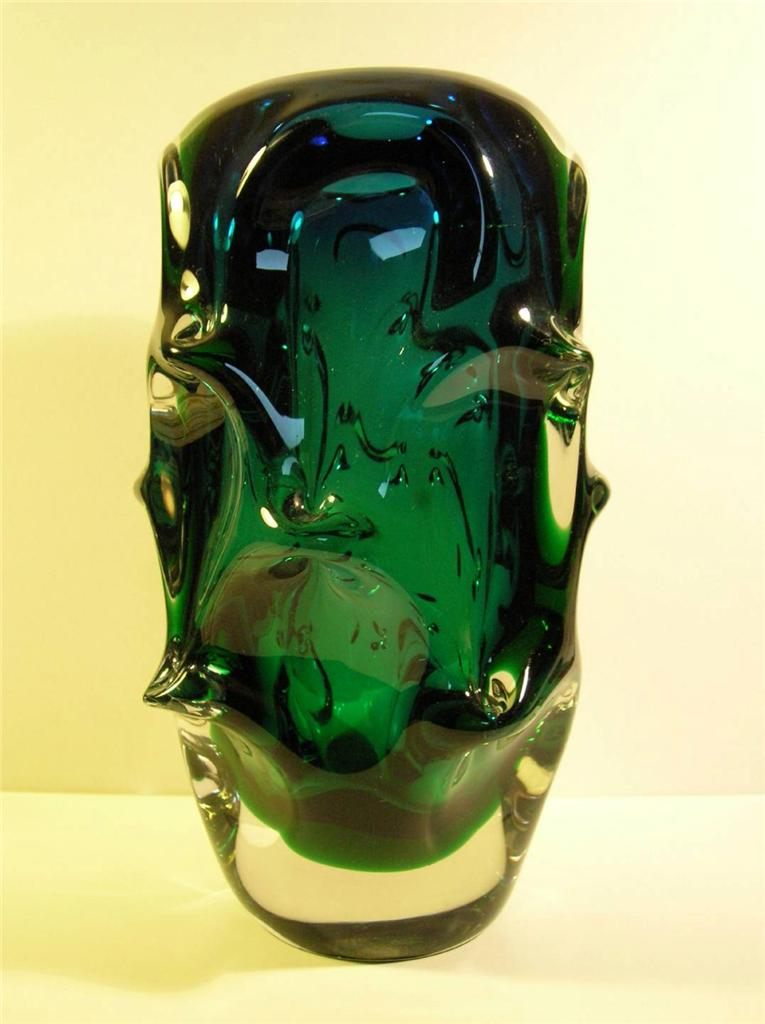 Retro-Sklo-Union-Czech-Jan-Beranek-Sommerso-Cased-Art-Glass-Green-Blue-Vase