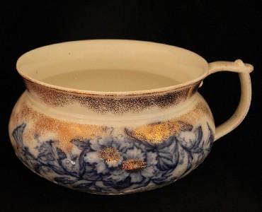 Antique flow blue chamber pot by c h tunstall england - Pot de chambre antique ...