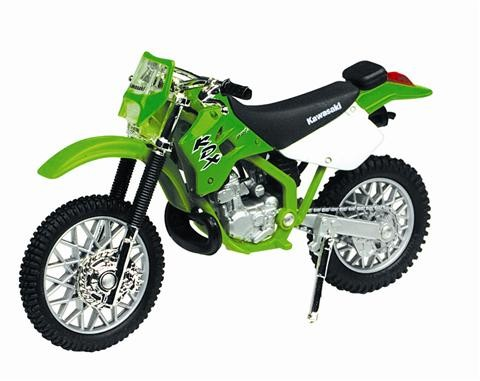Diecast-1-18-Kawasaki-KDX-220-Motorcycle-MotorMax-Model-Die-Cast-Dirt-Bike-M435