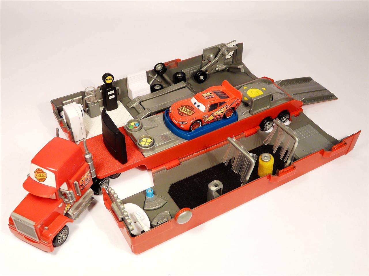 Lightning Mcqueen Mack Truck Hauler : Disney pixar cars mack truck playset hauler lorry diecast