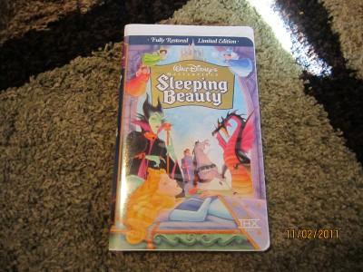 WALT DISNEYS Sleeping Beauty Collectors Limited Edition VHS Fully