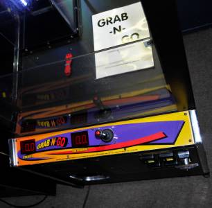 grab n go claw machine