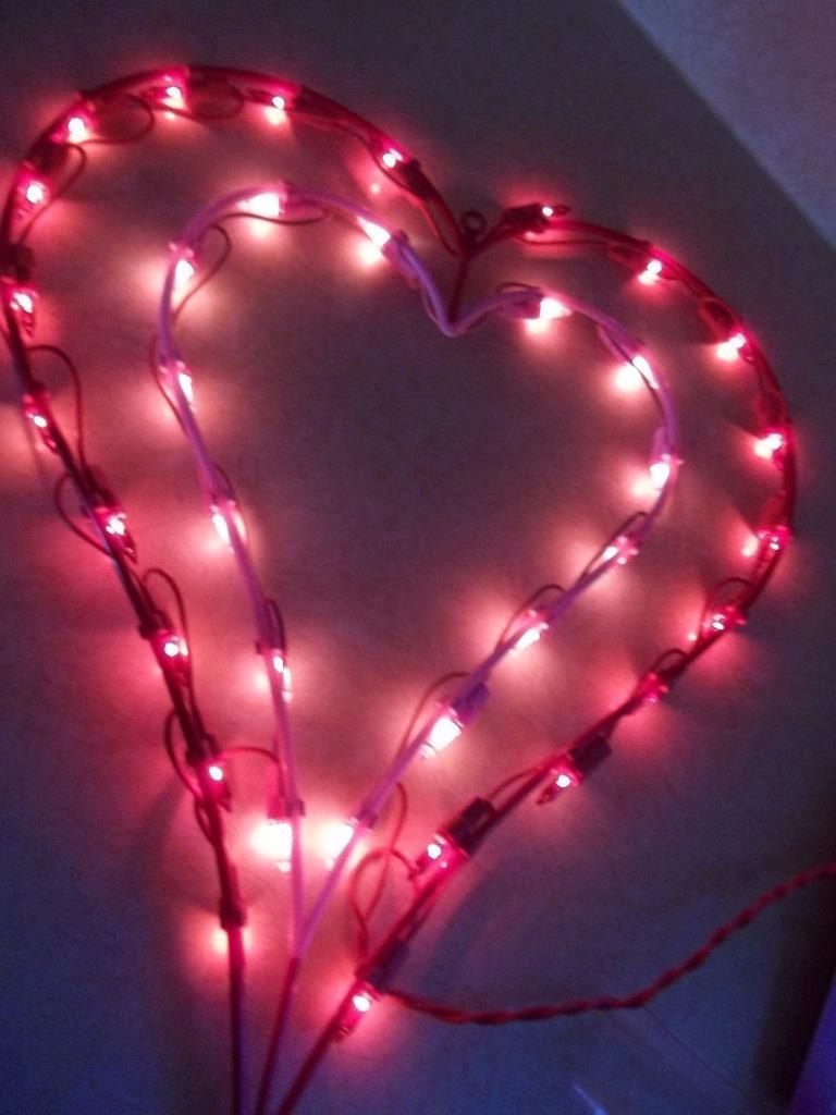Lot 2) Double Heart Valentines Lovers Window Light 35 ...