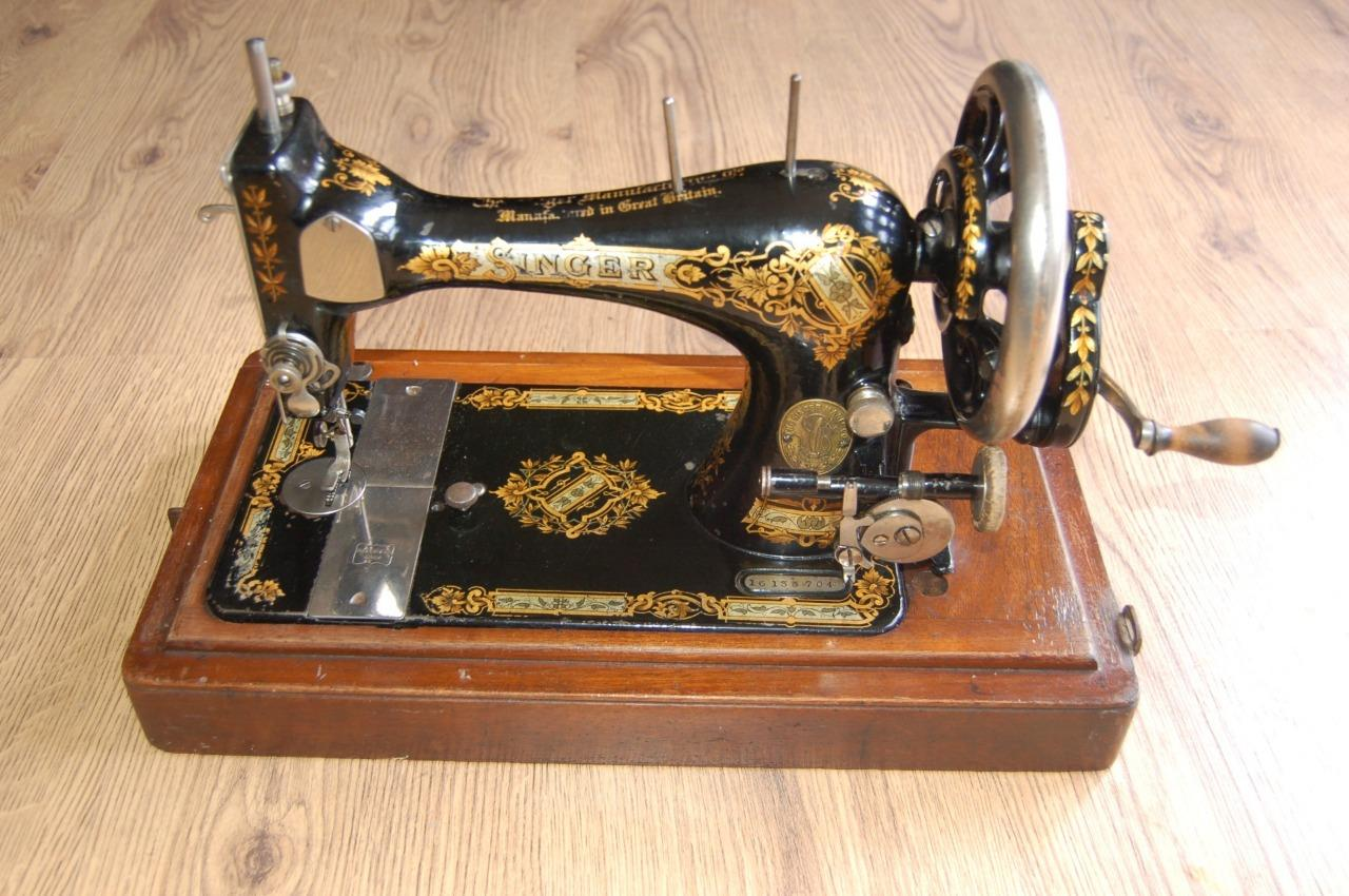 collectors antique 1899 singer hand crank sewing machine incl rh ebay co uk sewing machine manuals online free sewing machine manuals free
