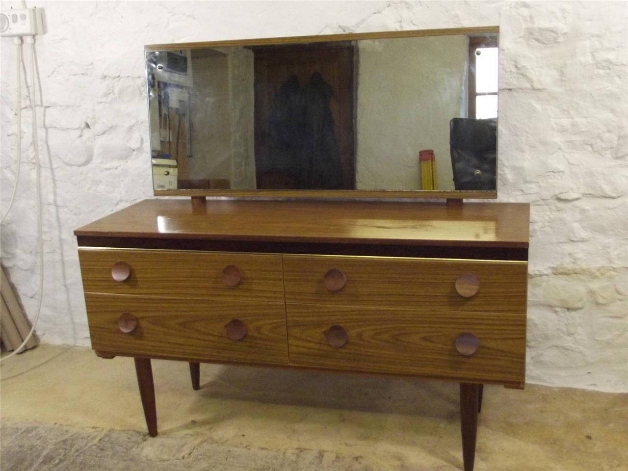 Fantastic retro 70 39 s danish style dressing table and for Retro dressing table