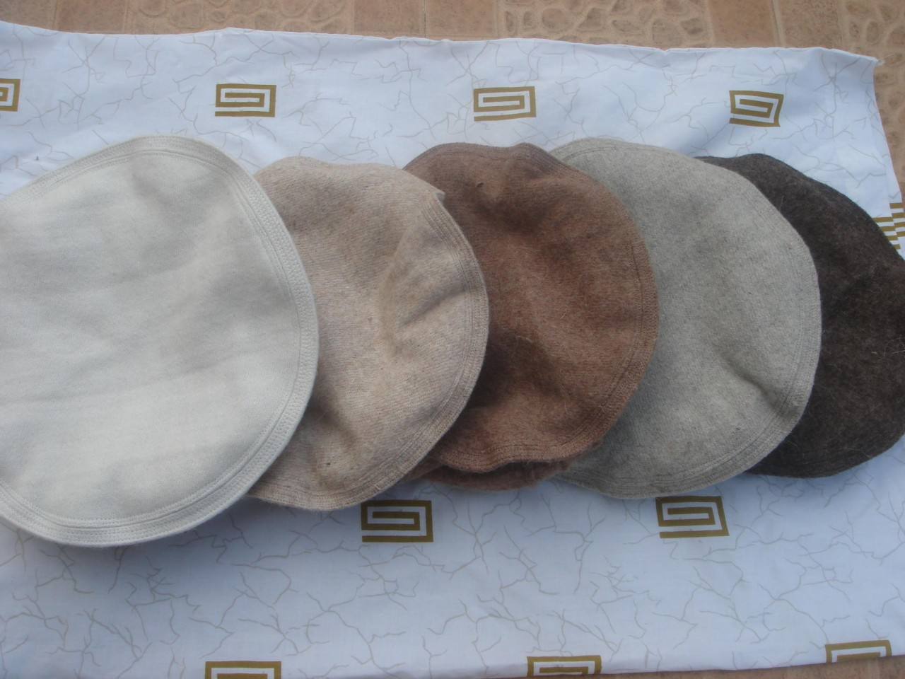 AFGHAN-PAKOL-PAKUL-KUFI-TRIBAL-CHITRAL-BERET-MASSOUD-WOOL-HAT-MILITARY-TOPI-CAP