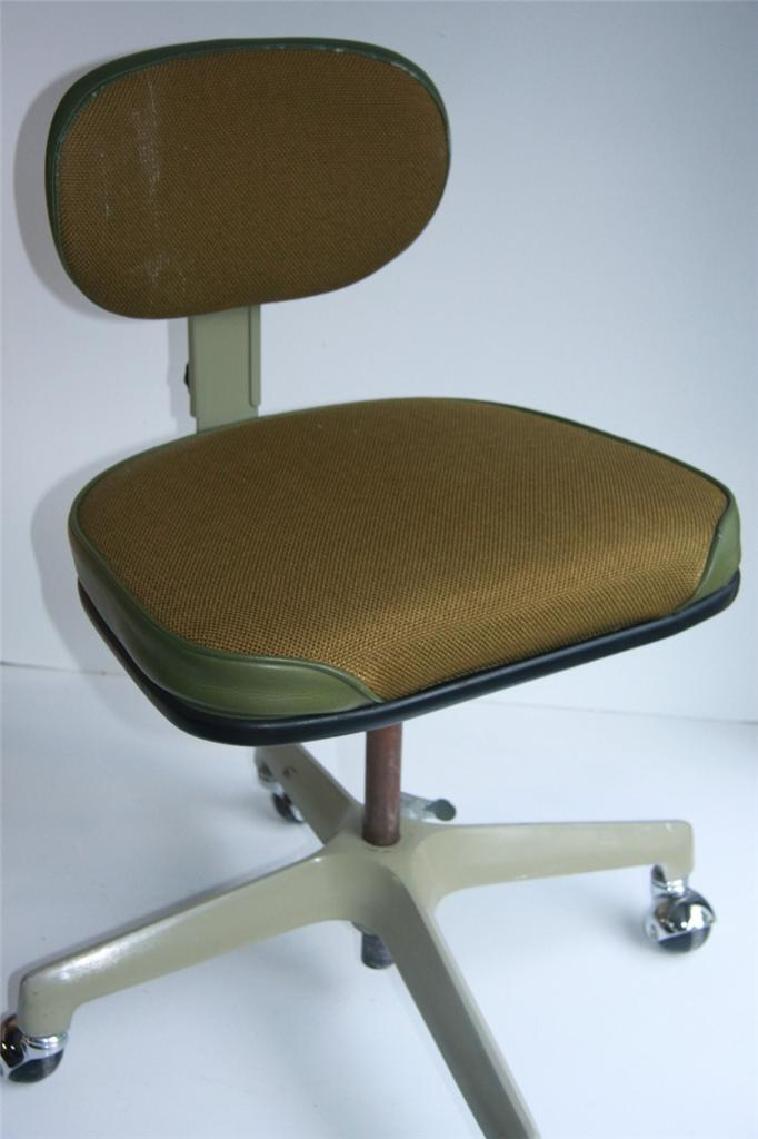 60 39 S RETRO MID CENTURY MODERN SWIVEL OFFICE CHAIR METAL