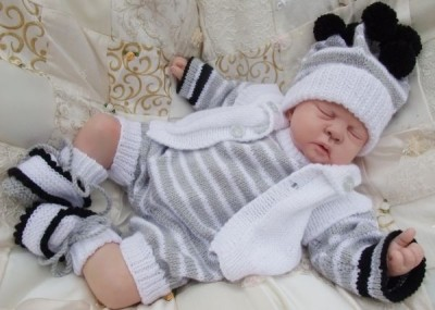 KNITTING PATTERN TO MAKE CHESTER BABY / REBORN DOLL 4 ...
