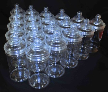 20 x Plastic Victorian Style Candy Sweet Jar with Screw on Lid 500ml