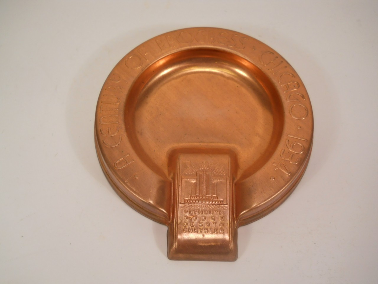 Vintage-1934-Chicago-Worlds-Fair-Copper-ASHTRAY-Chrysler-DeSoto-Dodge-Plymouth