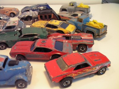Hot Wheels Redline and blackwall 24 Car Lot in Collector Case