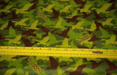 DUCK DYNASTY GREEN CAMO DUCK FLANNEL FABRICBTY!!! VHTF!!!