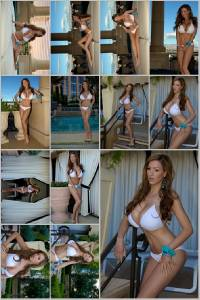 Sexy Jordan Carver Set Of 12 - 4 x 6  Photos - Poolside 1-12