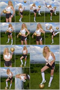Sexy Jordan Carver Set Of 12 - 4 x 6  Photos - Soccer 12-23