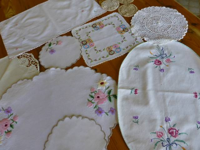 11-Bulk-lot-vintage-antique-embroidered-crochet-cross-stitch-lace-cross-doilies