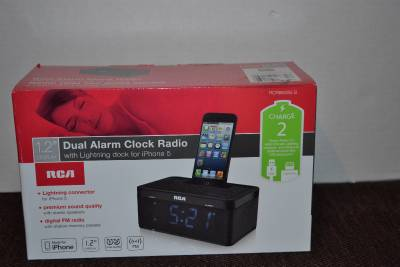 rca 1 2 dual digital alarm clock radio iphone 5 lightning dock rcr8632i5 s nib ebay. Black Bedroom Furniture Sets. Home Design Ideas