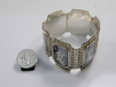 dating siam niello I need your help with a siam niello bracelet mine is marked above is information on siam silver 3,265 views message 13 of 21 0 helpful re: siam silver.