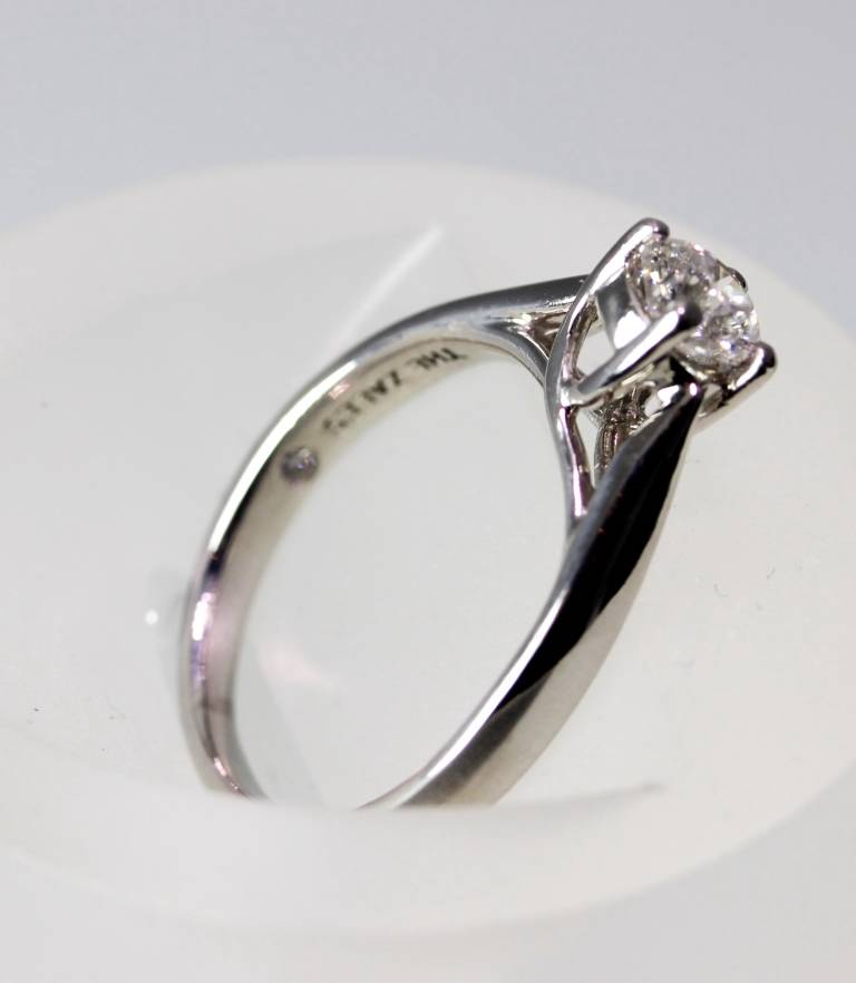 The Zales Platinum Octillion Diamond Solitaire Engagement Ring 53ct Size 5 75