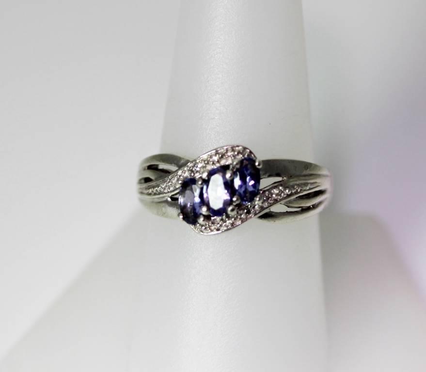 Beautiful Tanzanite: Beautiful Sterling Silver Tanzanite & Diamond Ring Size 8