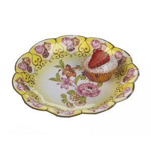 vintage style paper plates Paper plates, side plates and cake plates to style childrens parties, baby showers, weddings and celebrations.