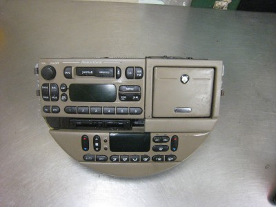 2000 jaguar s type audio wiring diagram images 2000 jaguar xjr jaguar x type fuse box diagram besides jaguar s type 2003