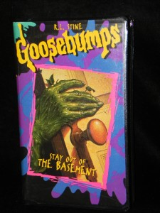 Lot of 9 GOOSEBUMPS Paperback Books by R.L. STINE Scholastic HALL OF HORRORS