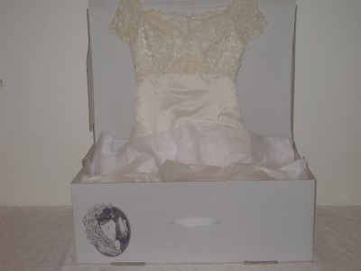 Wedding dress storage box bridal preservation gown dry for Dry cleaners wedding dress preservation