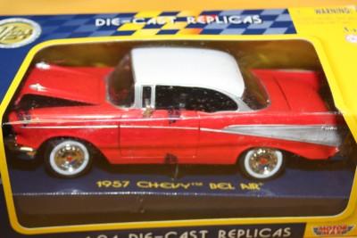 Model Car 1957 Chevy Bel Air Replica 1 24 Collectors Edition Great