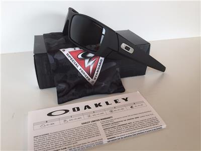 cerakote oakley gascan 3b3f  New Oakley Gascan Sunglasses SI Polarized Cerakote Graphite Black/Grey  Military